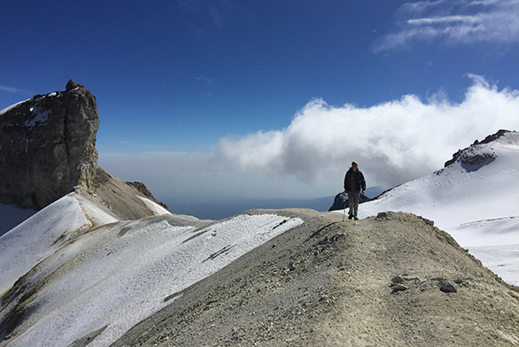 Will Kinum hikes on Iztaccihuatl in Mexico.