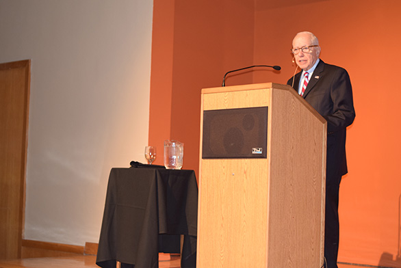 Former Attorney General Michael Mukasey speaks at the Santa Fe campus.