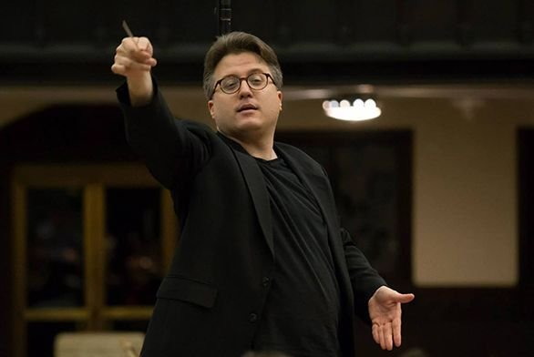 James Siranovich conducting