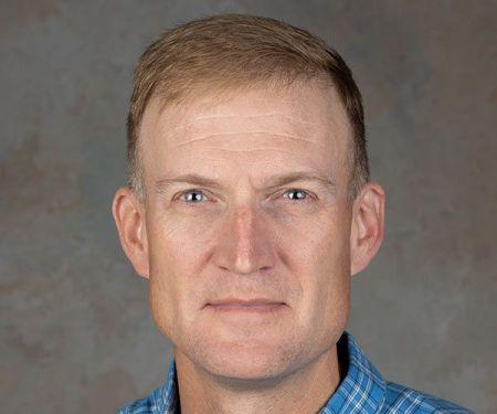 Dr. Matthew Carter (A95)