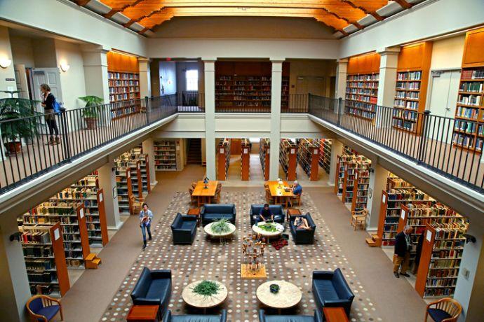 SF_Meem_Library_at_St._Johns_College_Santa_Fe.jpg